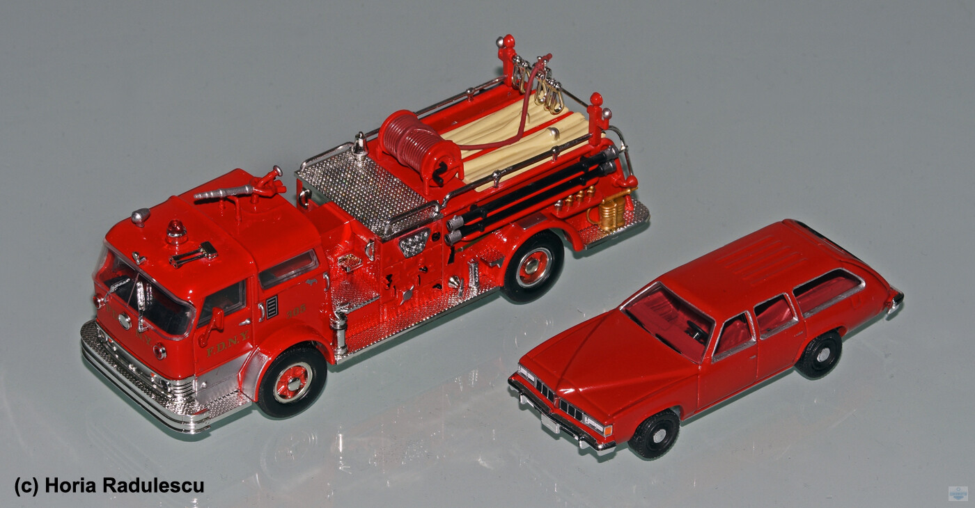 64-FDNY-Pontiac-LeMans-Safari-Umbau-mit-Mack-C-Pumper.jpg