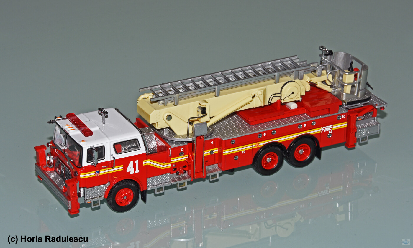 64-FDNY-Mack-CF-Ladder-41-1.jpg