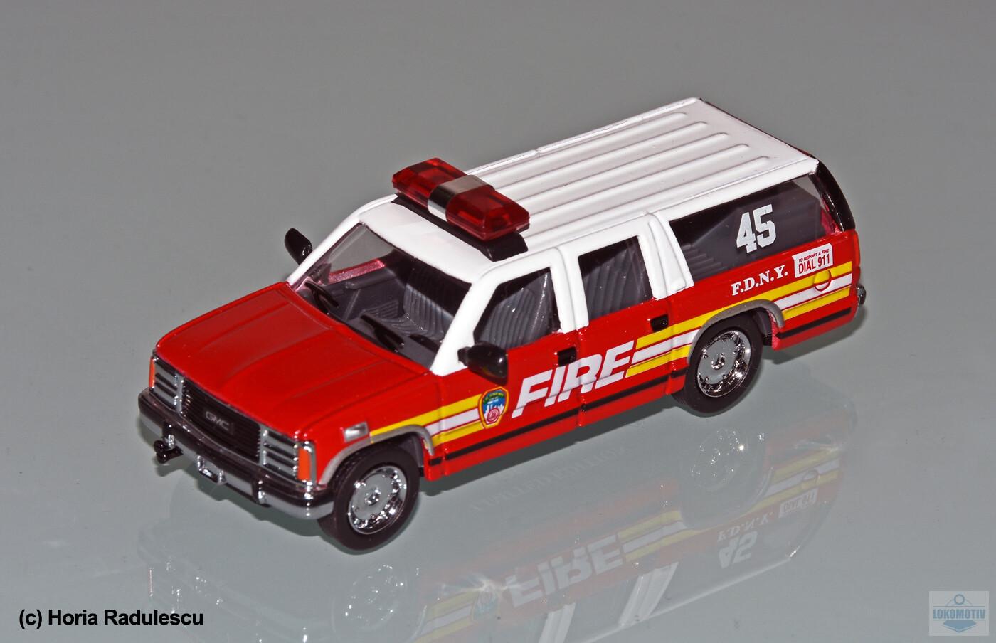 64-FDNY-GMC-Suburban-45-1d9594bf212139109.jpg