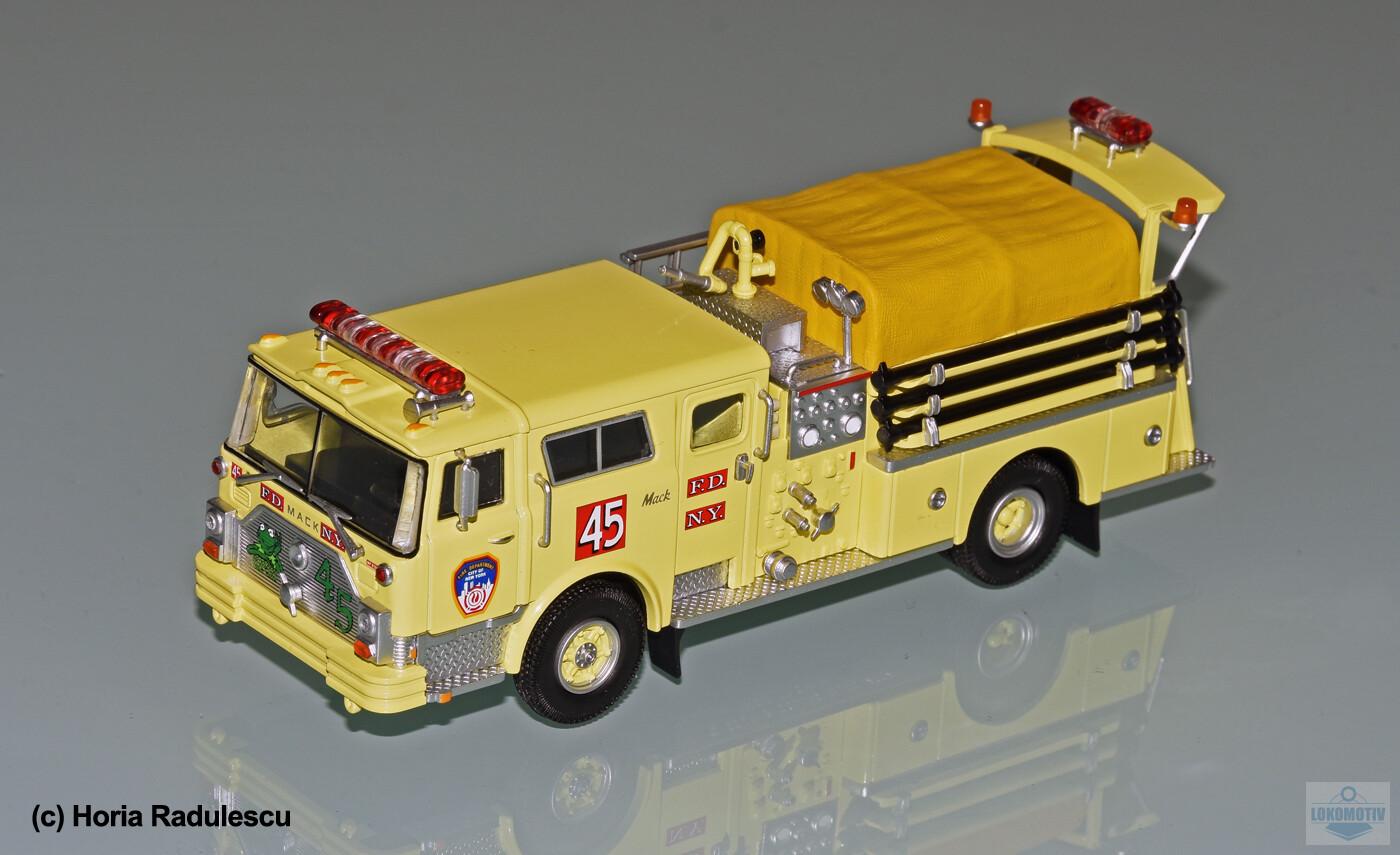 64-FDNY-Mack-CF-Kermit-45-1f75f092c41fc5a6b.jpg