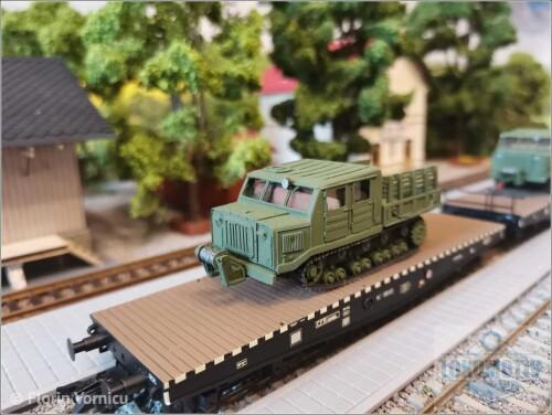 Tractoare-de-artilerie-AT-S-712-324eb4e62648e4e3e.jpg