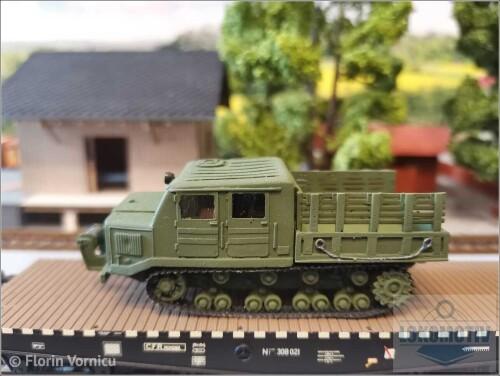 Tractoare-de-artilerie-AT-S-712-439e4003cd3376b59.jpg