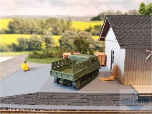 Tractoare-de-artilerie-AT-S-712-952e8046a1bde6bd6.jpg
